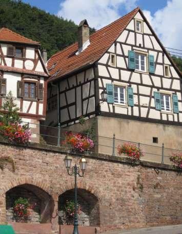 Les villages typiques et pittoresques du piémont en voiture - image